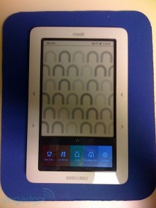 nook-hands-on-tipster-000-rm-eng_450x600